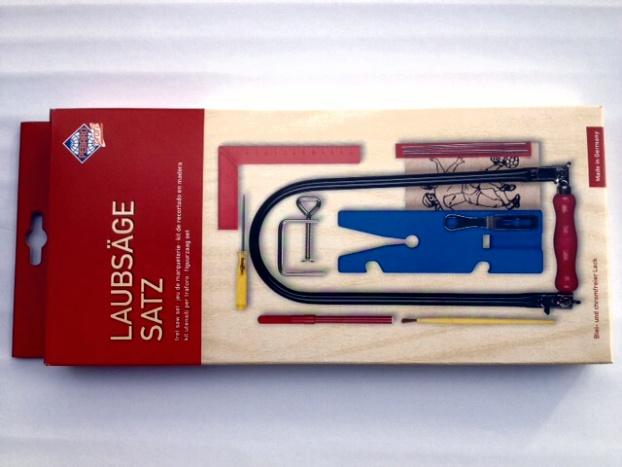 Bild zum Artikel: Laubsägesatz im Karton mit Vorlage